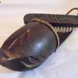 INEDITSET ORIENTAL pt curatarea incaltamintei. lemn sculptat.