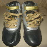 Ghetute/ Adidasi din piele Reebok, mas 29, 19,5 cm interior,