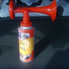 VUVUZELA REVELION cu Spray
