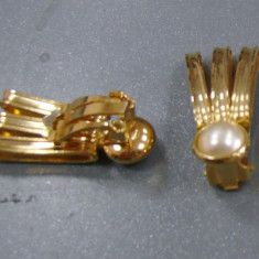 Cercei clips, forma evantai cu perla, auriti