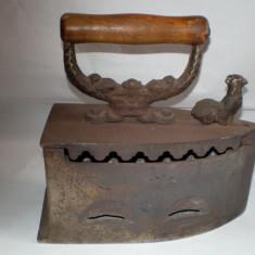 Fier de calcat vechi cu jar - Metal/Fonta