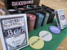 Set poker complet Texas Hold Em 200 jetoane inscriptionate euro pachete carti, Numar jetoane: 200