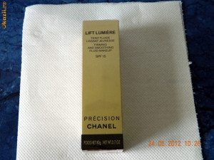 Fond de ten Chanel-reducere !!!!!!!!!!!!! foto