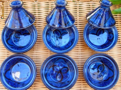 Tajine,Tagine, Vas de lut pentru gatit, Maroc, bucatarie foto