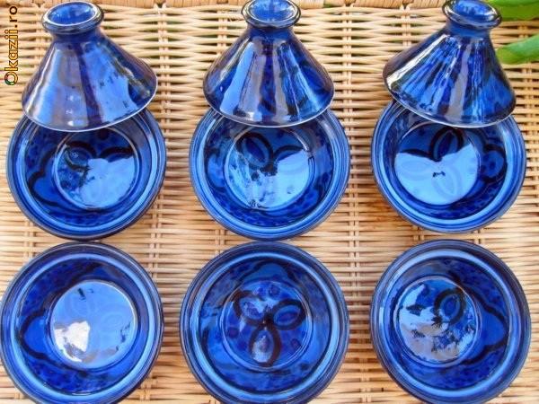 Tajine,Tagine, Vas de lut pentru gatit, Maroc, bucatarie foto mare
