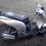 Scuter Honda @ 150cmc Atractiv