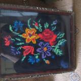 Tablou cusut-buchet de flori - tesatura textila