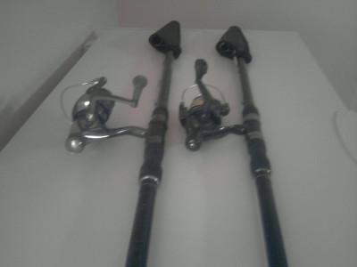 Vand 2 bete de pescuit BARACUDA cu tot cu mulineta, lungeme 3 metri jumate foto