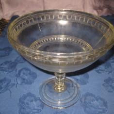 Fructiera din sticla cu picior inalt- h- 20, d- 22, baza- 12 cm - Fructiera sticla