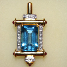 MEDALION AUR 18K cu 18 diamante si 6 rubine, model unicat