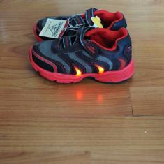 Pantofi sport baieti OshKosh B'gosh Light Up - Adidasi copii, Culoare: Negru