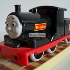 Trenulet de jucarie Thomas and Friends, Plastic, Unisex - My First Thomas by Golden Bear trenulet - Douglas locomotiva cu nr.10