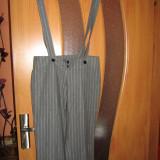 Pantaloni cu bretele gri - Pantaloni dama