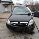 Dezmembrez Opel zafira b/2009-accidentata - Dezmembrari Opel