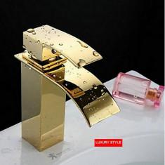 Baterie sanitara - 110214 Baterie robinet baie chiuveta cascada auriu