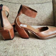 Pantofi din piele, tip ciocata, model deosebit!! - Pantofi dama, Marime: 38, Culoare: Bej, Bej