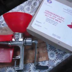Masina ruseasca separator de rosii de stors rosii pentru bulion