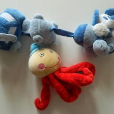 Set de jucarii ce se agata pentru patut/carucior pentru bebelusi, catifelate si zornaitoare, REDUSE ACUM! - Jucarie zornaitoare, 0-3 luni, Unisex, Multicolor, Textil