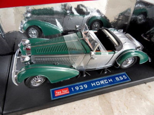 Horch 855 Roadster 1939 1/18 foto