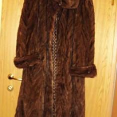 Palton dama - Vand blana de nurca, lunga, NOUA