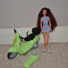 Barbie cu scuter - Papusa