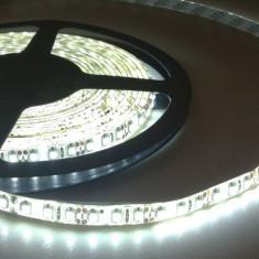 Leduri auto G-View - Banda led alb rece rezistenta la apa 120 smd 3528 ml, 600 smd / rola 5 m