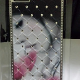 Husa. Capac spate protectie Iphone5. 3D cu pietre SWAROVSKI. Model Nou.