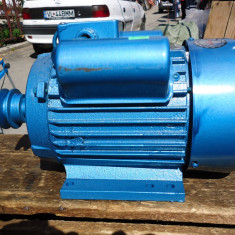 Motor electric nou sigilat 2.2 KW 3000 rotatii / minut