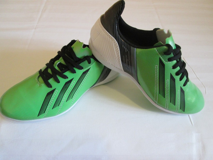 Oferta Adidas  F50 - Adidasi verzi Football Adidas Ghete Fotbal verde Model Nou Toamna 2013 foto mare