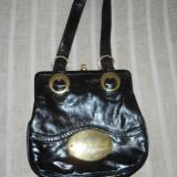 Geanta dama neagra cu cadru metalic GFC