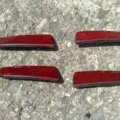 REFLECTORIZANT OCHI DE PISICA BARA SPATE FORD FIESTA 2002-2005 dreapta - Ornament Auto