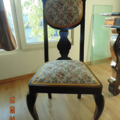 Mobilier - Masa + 4 scaune vechi
