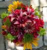 Buchet Trandafiri, Crini, Floarea Soarelui, Zinnia, Cosmos si Clopotei Irlandezi