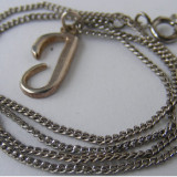 Lant si medalion vechi din argint in forma de litera - Pandantiv argint