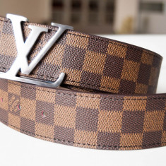 LOUIS VUITTON PARIS Curea Piele Naturala Model Damier Graphite Made in France - Curea Dama Louis Vuitton, Marime universala, Din imagine