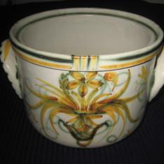 Jardiniera veche din ceramica pictata cu motiv floral, marcata si semnata, provenienta Europa de vest - Suport flori