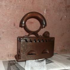 Metal/Fonta, Altul - Fier de calcat vechi (cu carbuni) pentru decor