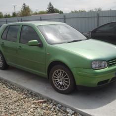 Dezmembrari Volkswagen - Dezmembrez piese VW Golf 4