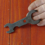 Scule / unelte ---- Veche cheie din metal pentru bicicleta - model deosebit !!!! - Metal/Fonta