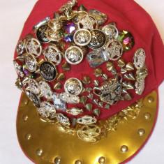 Sapca cu insigne culoare rosu smecherita original US - Sapca Dama Adidas