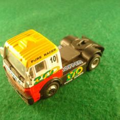 Macheta auto Alta - Hongwell MERCEDES - BENZ cap tractor racer. Made in China. Este in stare buna.