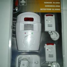 Sisteme de alarma - Sistem ALARMA wireless cu 2 Telecomenzi+ senzor miscare- alimentare 220 volti