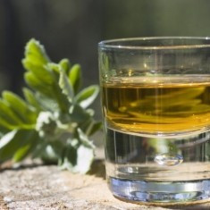 Vand tuica veche naturala 100%