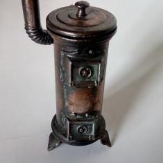 Metal/Fonta - Ascutitoare de colectie metalica veche - soba - C14