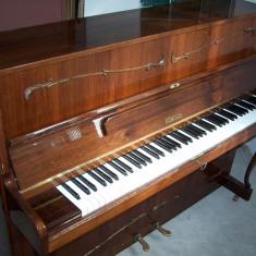 Pianina Ronisch aproape noua, cu garantie si acordaj