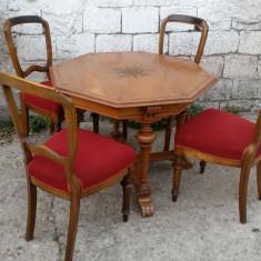 Mobilier, Mese si seturi de masa, Biedermeier, 1900 - 1949 - Masa octogonala cu 4 scaune. Biedermeier.