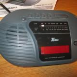 Ceas de mana - Ceas VINTAGE dar NEFOLOSIT, ceas cu afisaj electronic, ceas de masa cu radio