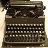 PRET BOMBA-MASINA DE SCRIS DE POVESTE- GERMANA, ANII 1935- 1940, FUNCTIONALA