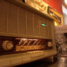 Aparat radio, Analog - Radio vintage/lampi = EUMIG-eumigett 300 = valve-tube KULT of the Century*SOLD