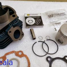 Set cilindri Moto - Kit Cilindru / Set motor + Segmenti + Piston Scuter Malaguti F10 / F12 / F15 / Centro / Ciak ( 80cc - racire aer - W Standard)
